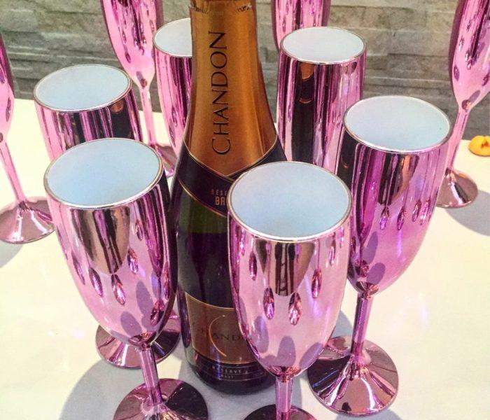 Taça Metalizada com champagne
